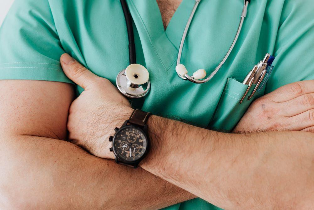 la clinica when should i visit a pain management doctor